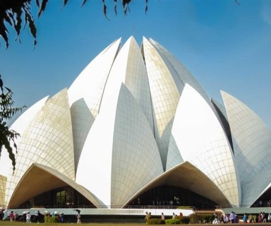 วัดดอกบัว (Lotus Temple or Bahai Temple)
